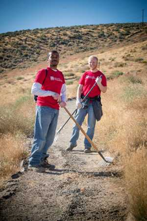 Bechtel employees perform trail maintenance at Badger Mountain.